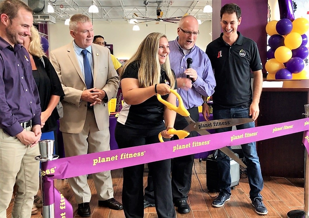 PlanetFitness_RibbonCutting_Penfield.jpg